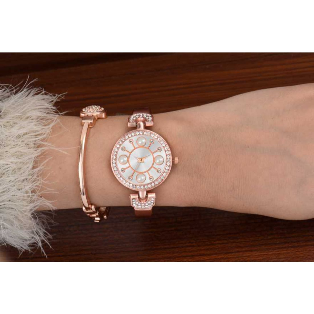HRV Pearl And Diamond Dial Rose Gold Women Watch