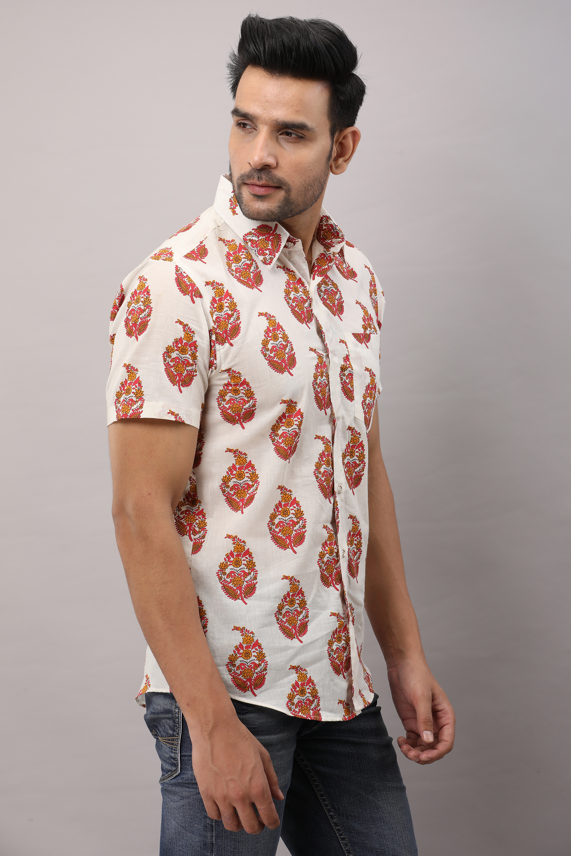 FrionKandy Cotton Ethnic motifs Casual White Regular Shirt For Men - L