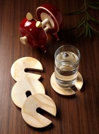 Dennmarks Wooden Hand-Painted Coffee Tea Coasters Set-Kitchen Decorative  Table Top Wooden Coaster Set (DNMK-CS-10180032)