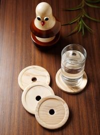 Dennmarks Wooden Hand-Painted Coffee Tea Coasters Set-Kitchen Decorative  Table Top Wooden Coaster Set (DNMK-CS-10180033)