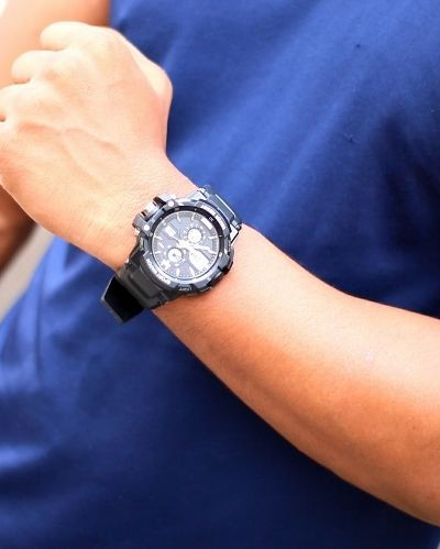 Attractive Black Analog Watch