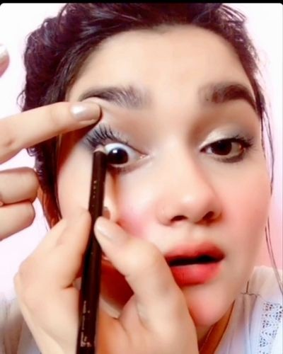 Easy Way to make your eyelashes look prettier