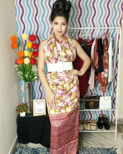 4 unique ways to style your saree as a dress