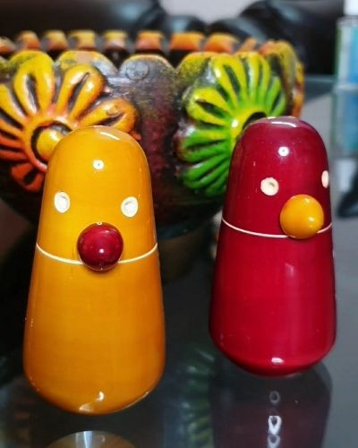 Stylish and non-breakable salt and pepper shaker