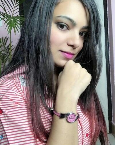 Pink watch for daily wear