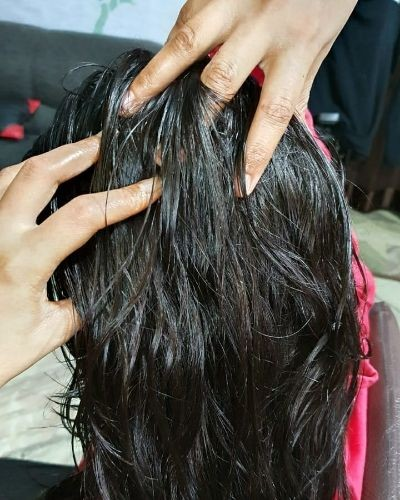 How to oil hair the right way