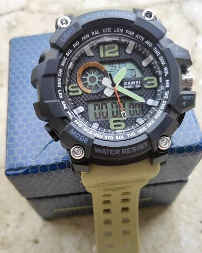 Trendy Sporty Watch
