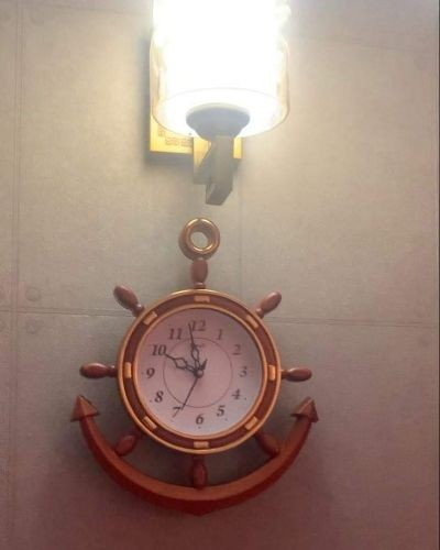 Classic wall clock for your bedroom